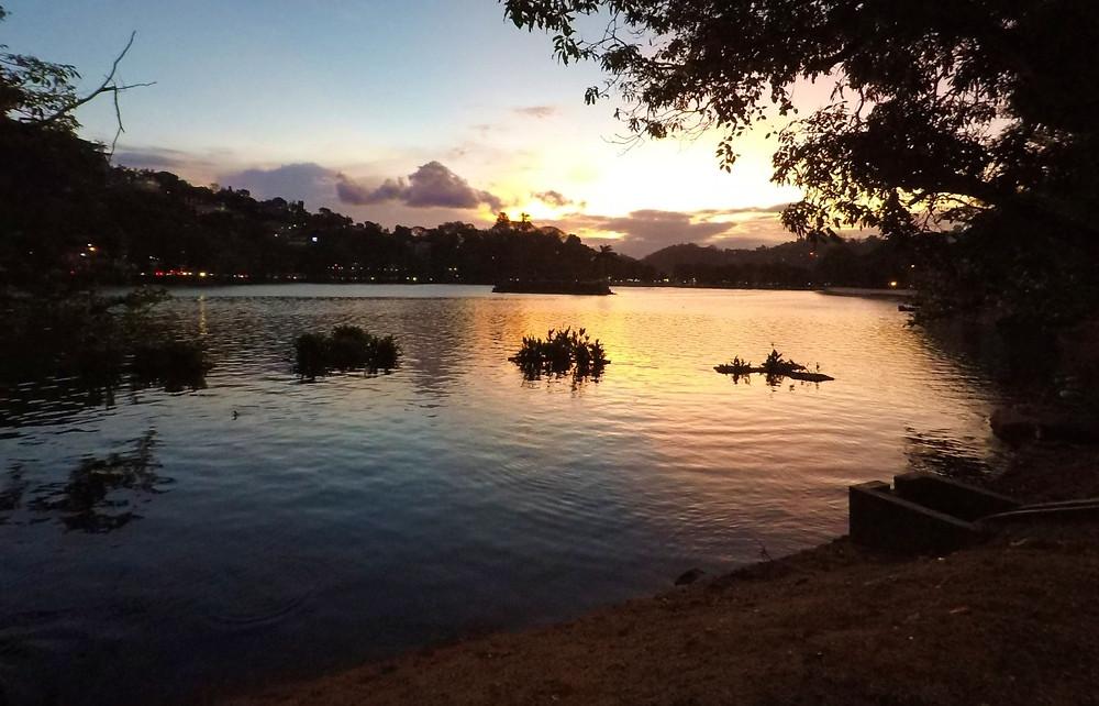 Lac de Kandy sri lanka