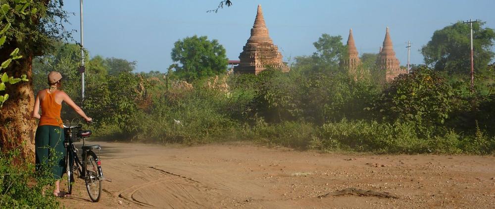 Bagan à vélo Myanmar voyage