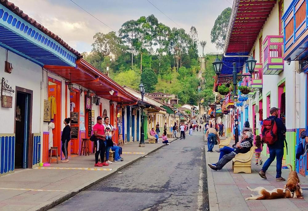 Rue principale Salento en Colombie
