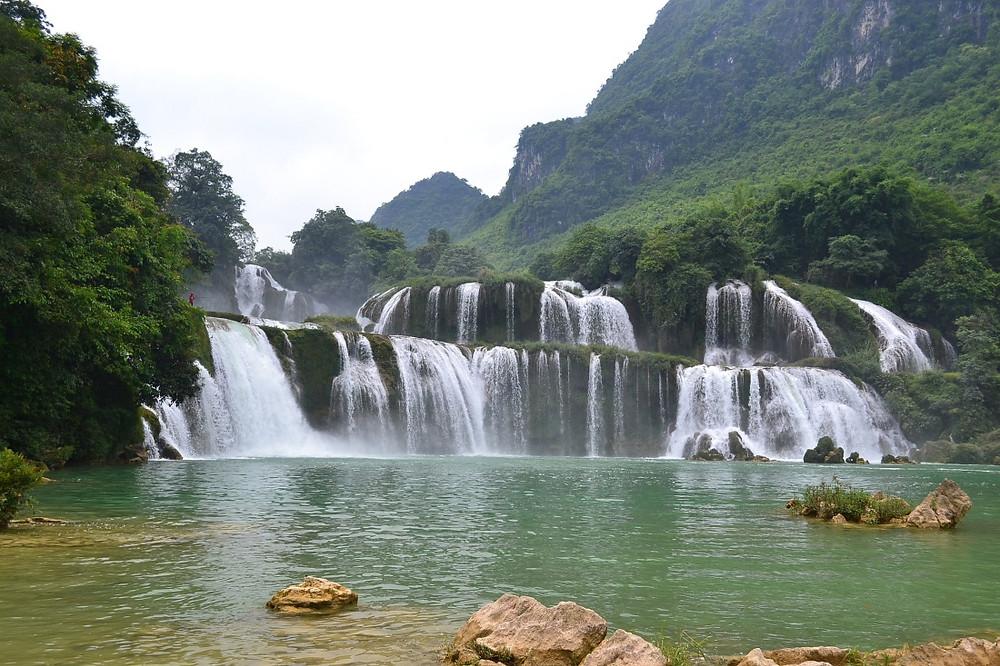 chutes de Ban Gioc au Viêt Nam