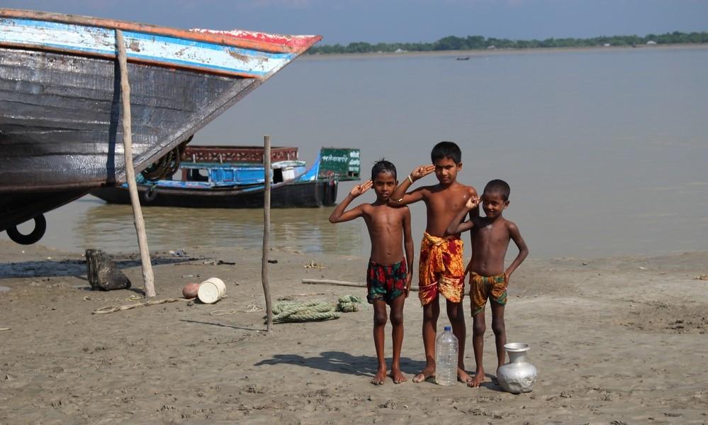 enfants Sundarbans au Bangladesh