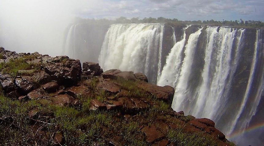 chutes Victoria depuis le zimbabwe
