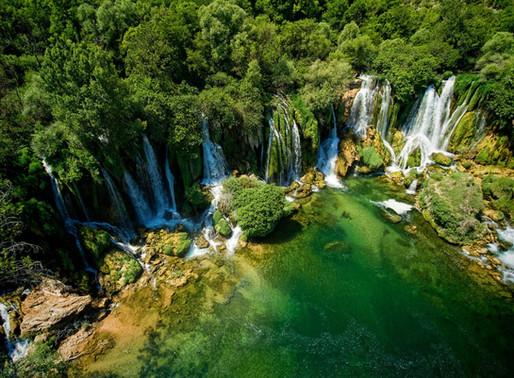 Les chutes de Kravica en Bosnie-Herzégovine