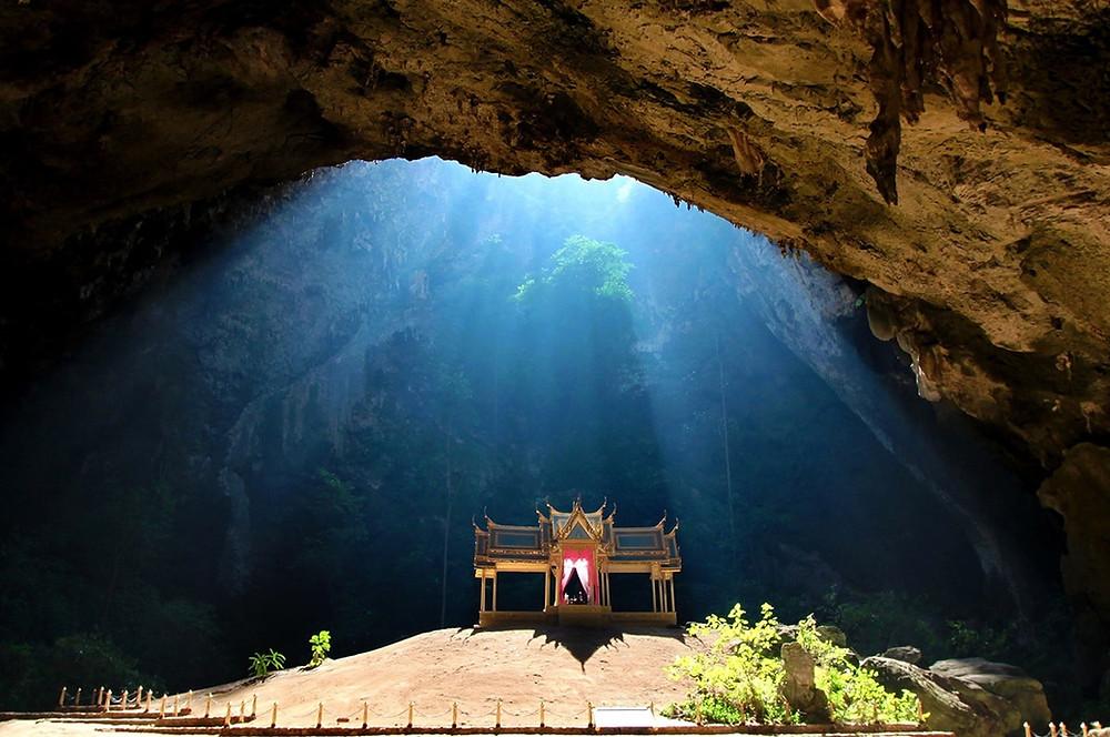 grotte phraya nakhon lumière