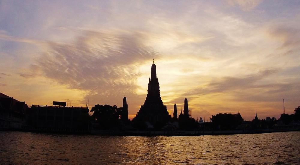 Wat Arun coucher du soleil
