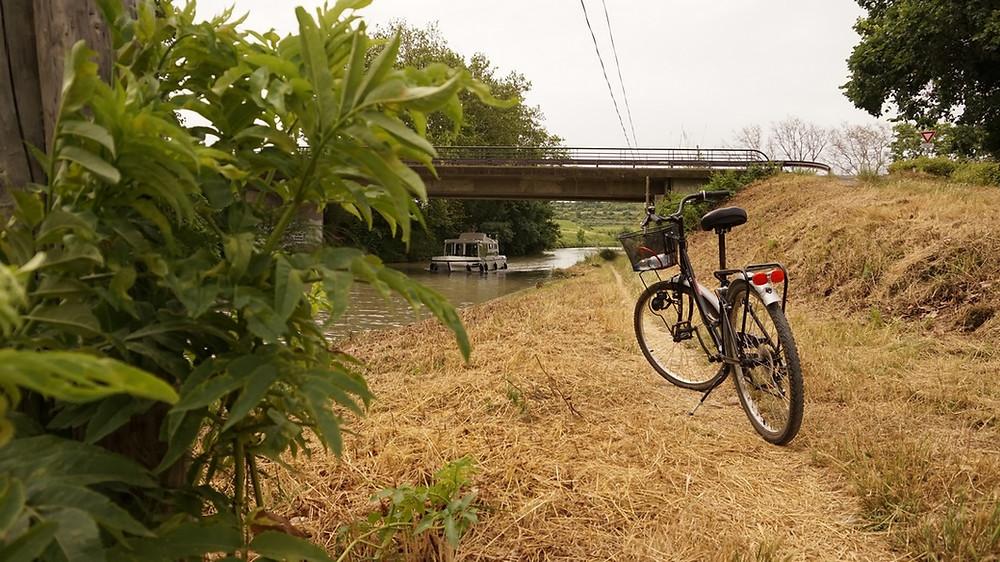Capestang Poilhes à vélo Canal du Midi