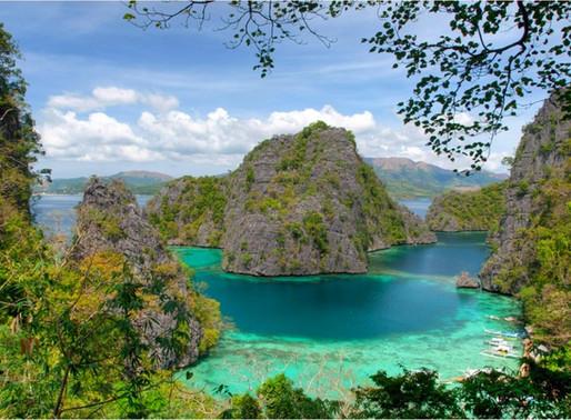 Le lac Kayangan de l'île Coron aux Philippines