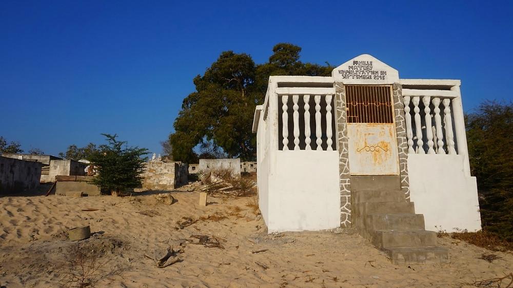tombeaux Tsaravahiny de Mangily