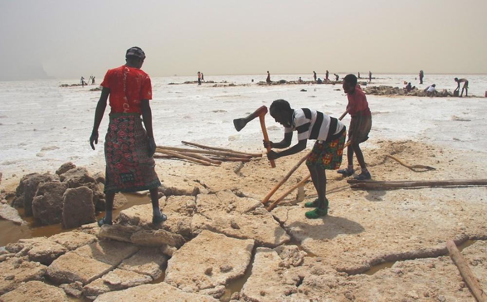 lac Karoum Ethiopie travail sel