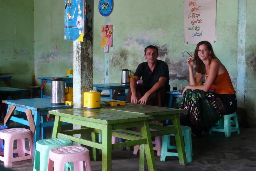 Nyaung Shwe couple Birmanie
