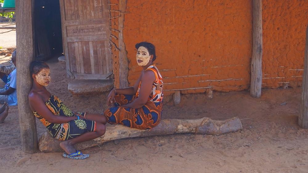Femmes Tsaravahiny de Mangily