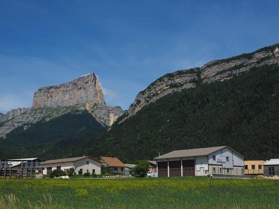 paysage mont aiguille en france