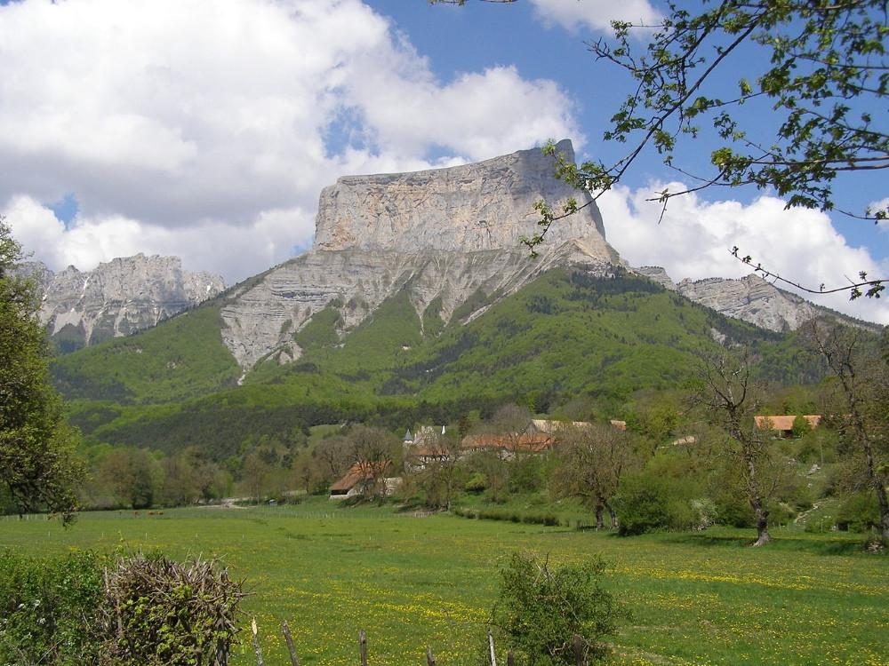 Mont Aiguille dans le Vercors en France