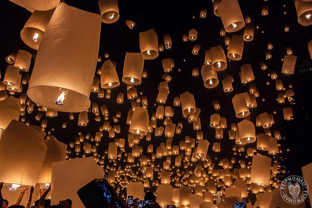 Festival de lumières en thailande chiang mai