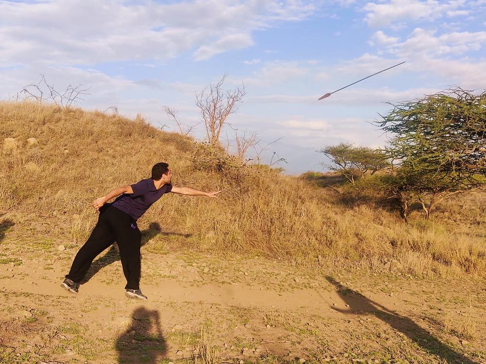 lancer de lance Maasaï touriste