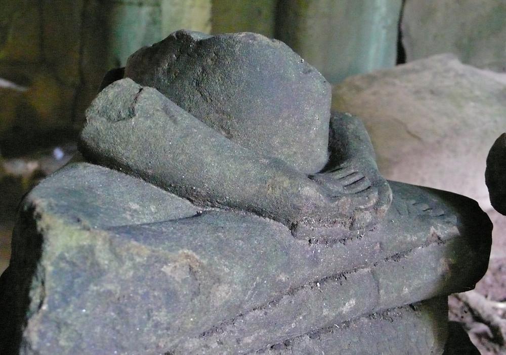Angkor ruine statue