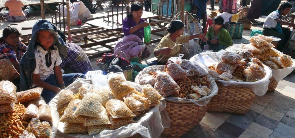 Lac Inlé Myanmar vendeurs de rue