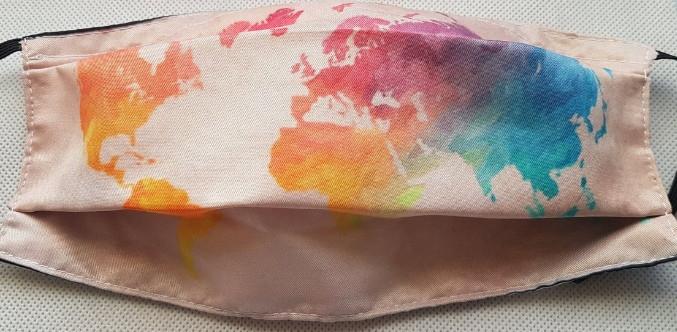 masque tissu mappemonde rose avec pochette