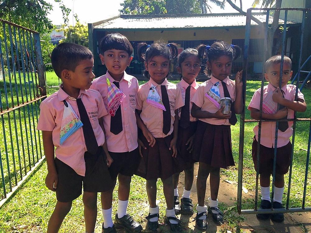 élèves école sri lanka mirissa