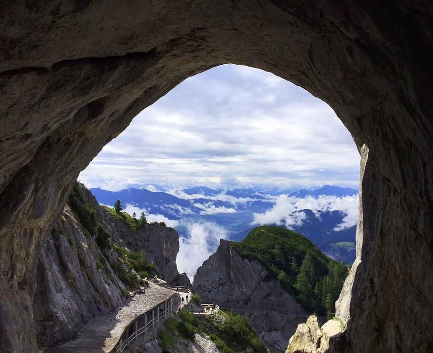 vue depuis grotte de glace Eisriesenwelt en Autriche