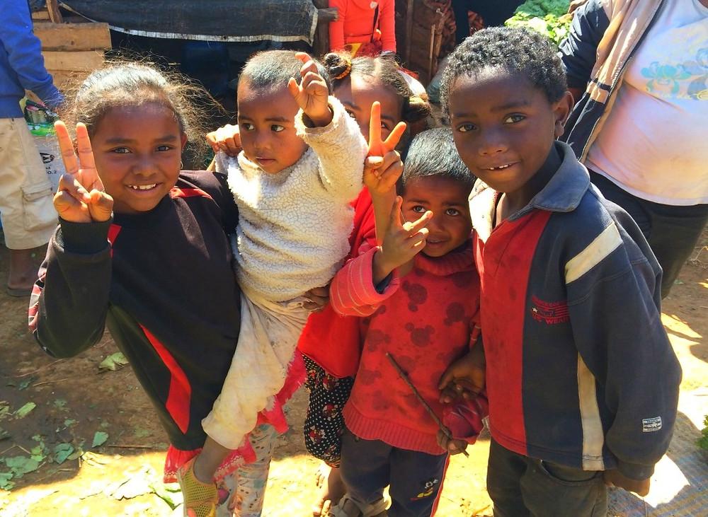 enfants de rue Asabotsy Grand Marché d'Antsirabé