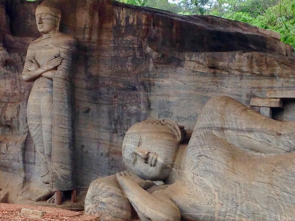 Gal Vihariya Polonnaruwa bouddha debout