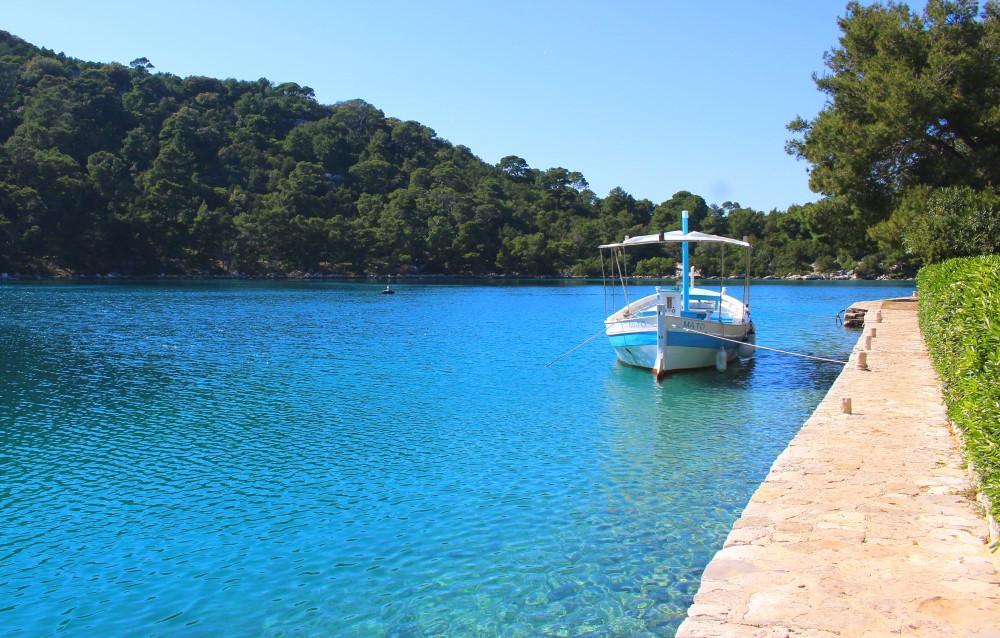 eau turquoise à Mljet en Croatie