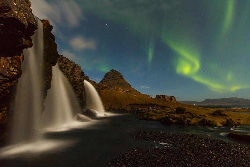 Kirkjufell en Islande aurore boreale