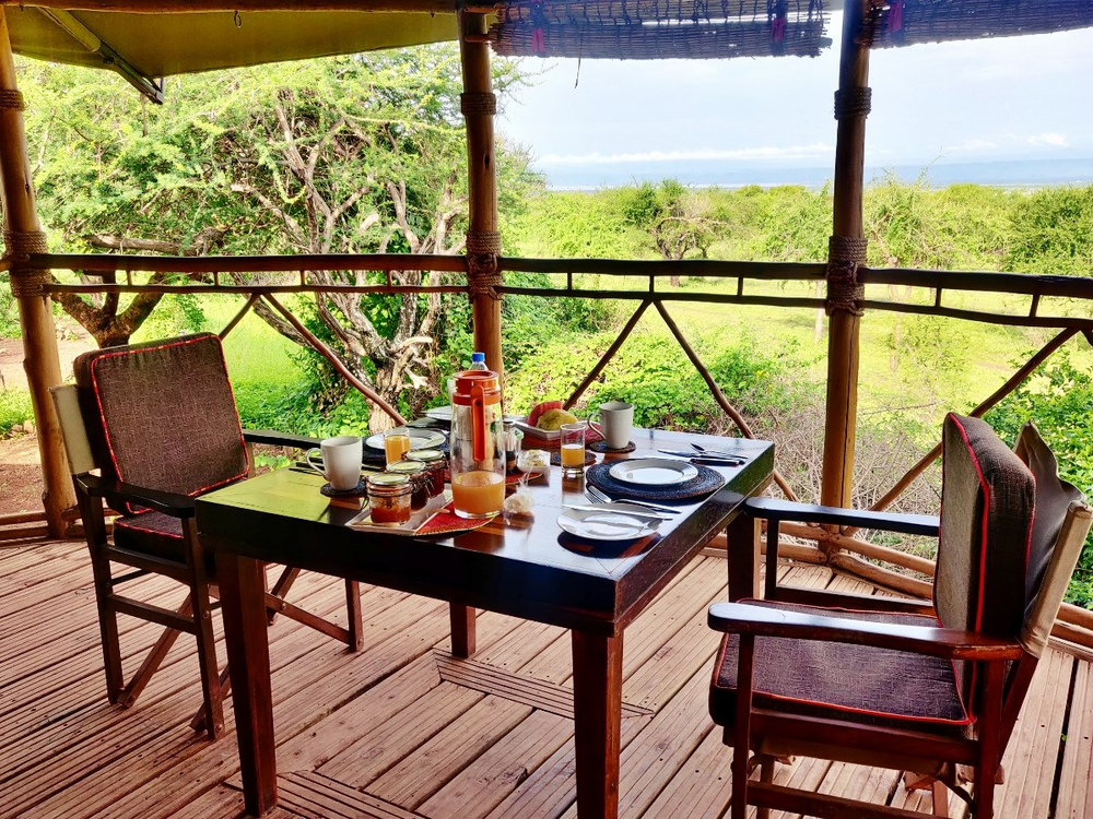 restaurant lodge mto wa mbu