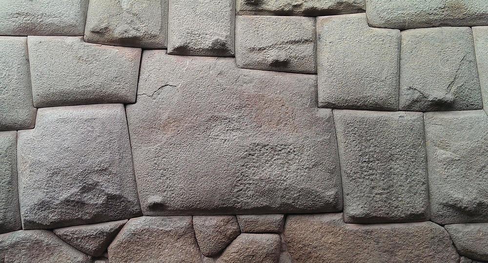 Cusco pierre aux douze angles