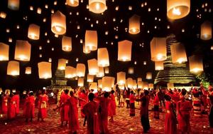 Fête des lanternes volantes thailande