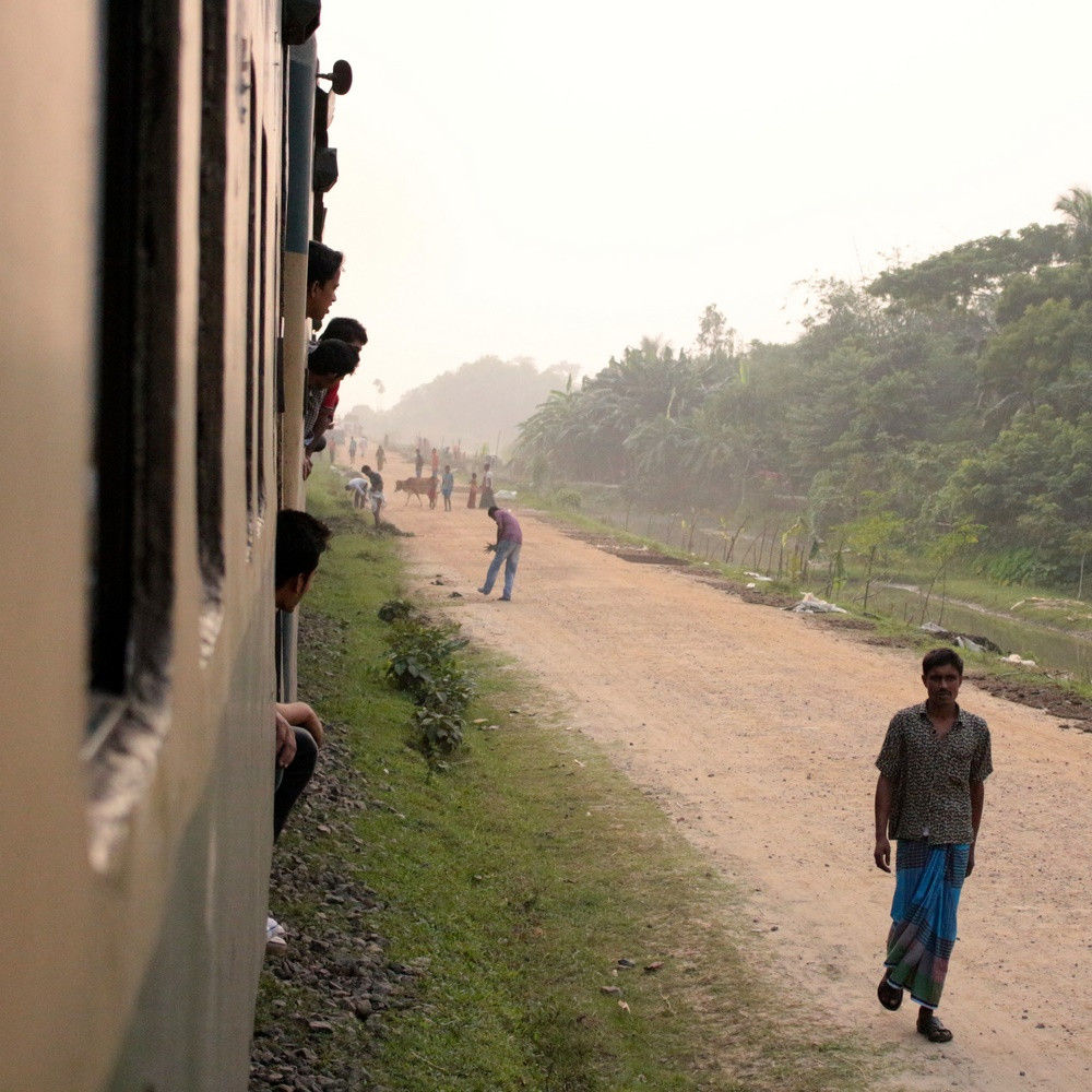 Prendre le train au Bangladesh : De Dhaka à Srimangal