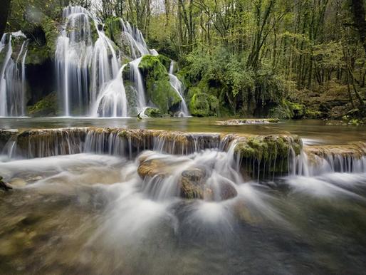 La cascade des Tufs dans le Jura, France