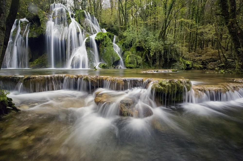 Cascade des tufs dans le Jura