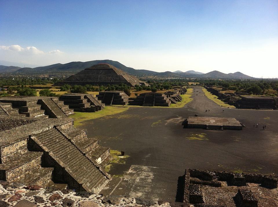 Pyramides la Cité des Dieux au Mexique