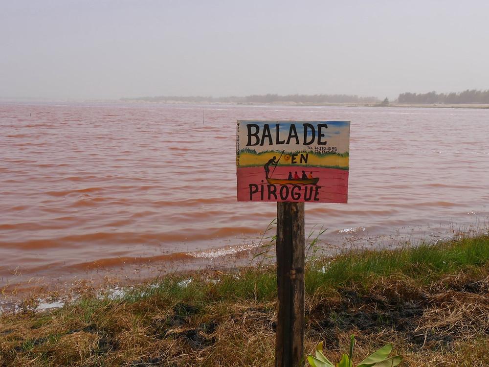 pirogue lac rose senegal retba