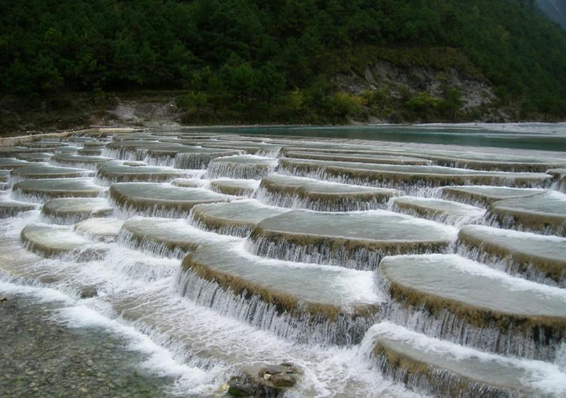 cascades vallée de la lune bleue, Chine
