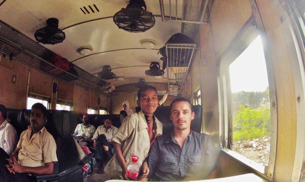 orphelin train bangladesh