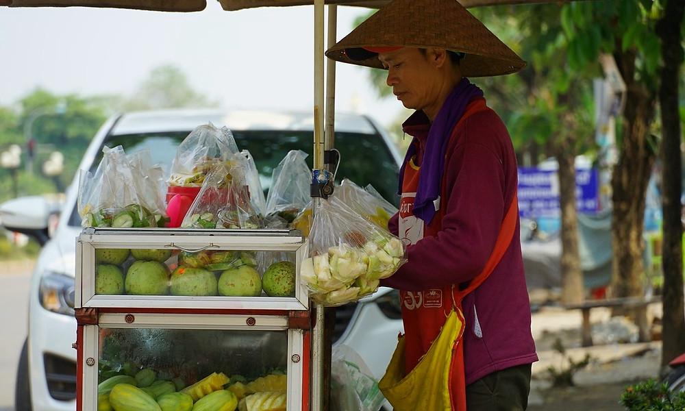 Vendeur de rue vientiane
