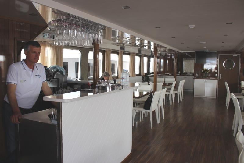 Salle des repas du bateau de croisière