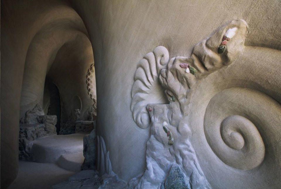 Ra Paulette sculpteur de grottes