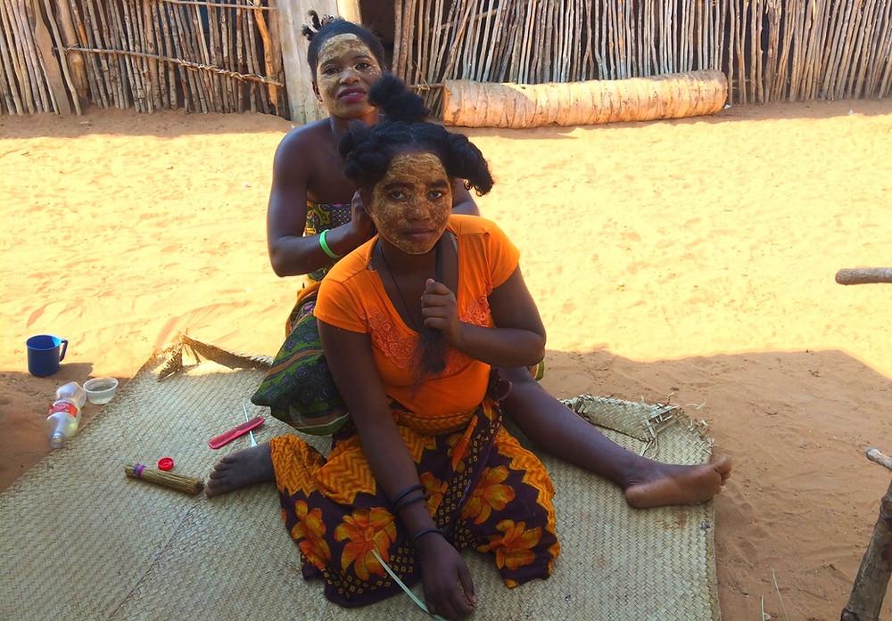 coiffures femmes Mangily