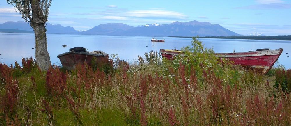 Puerto Natales port et vue canal senoret