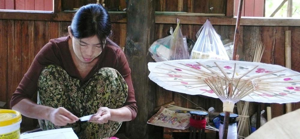 Fabrique d'ombrelles en papier Lac Inlé