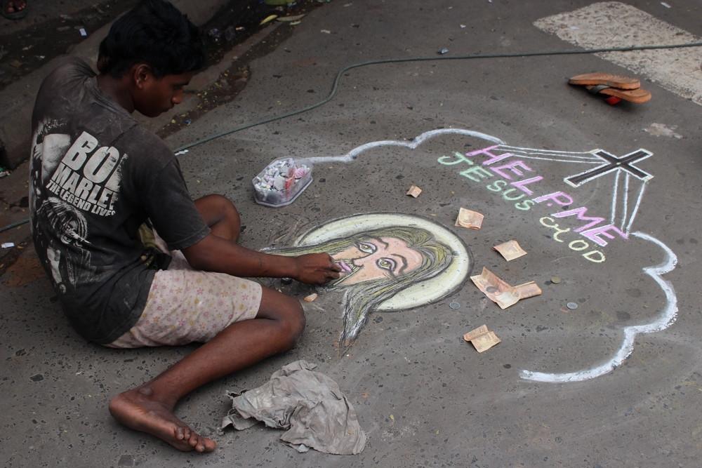 Dessin Jesus sur trottoir rues de Calcutta