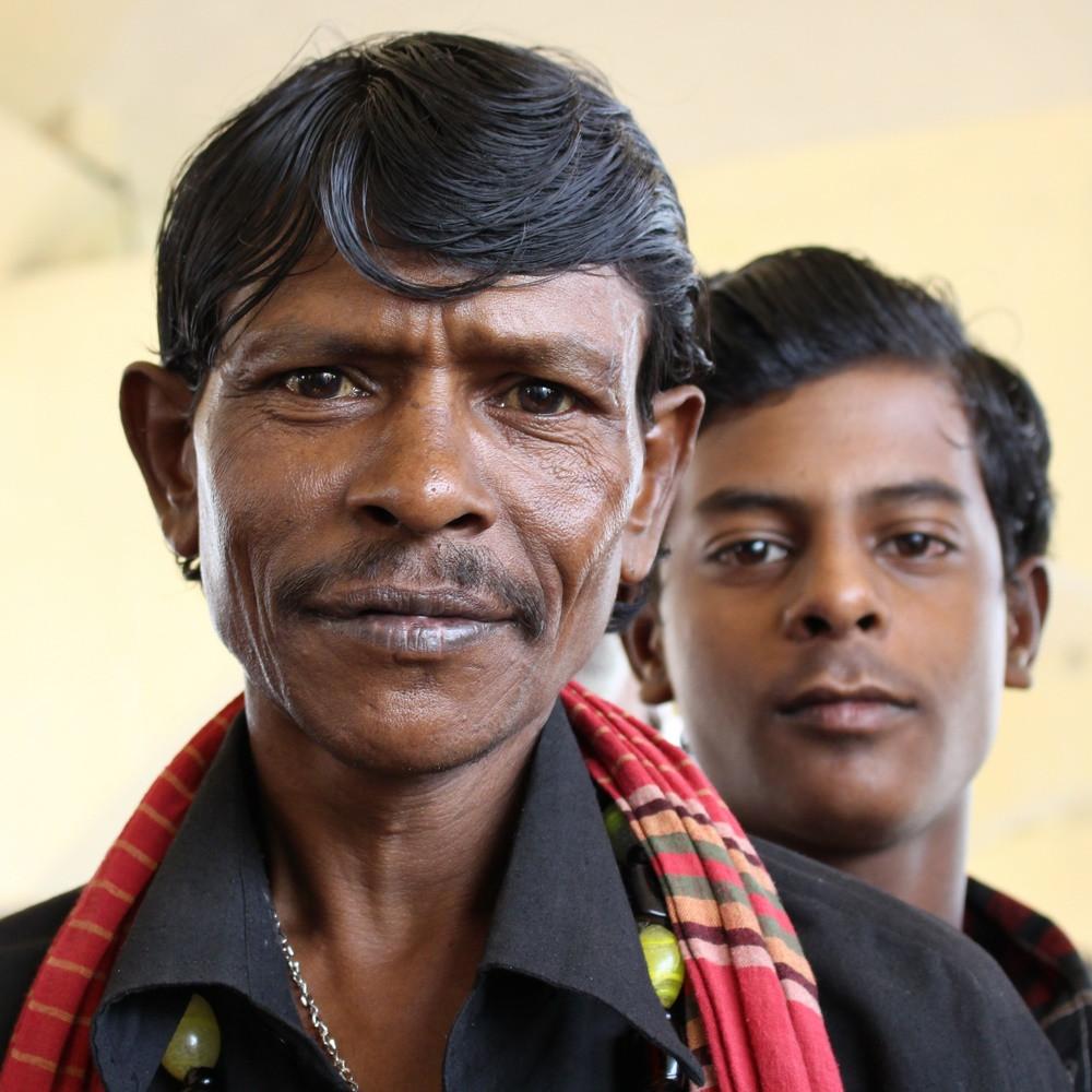 homme gare bangladesh