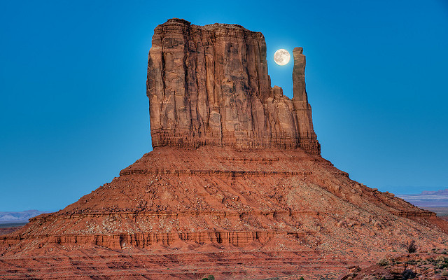 Monument Valley Lune moon