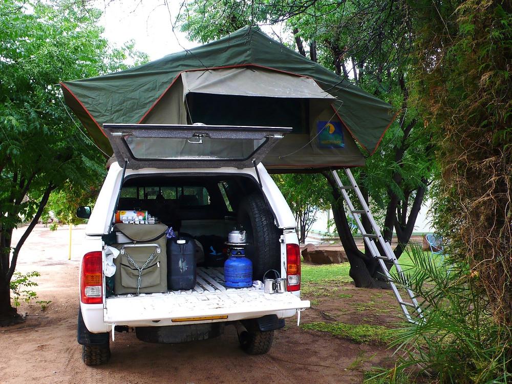4X4 avec tente sur le toit Namibie Botswana