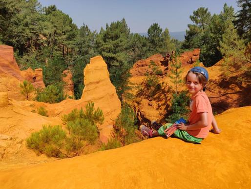 Le Colorado Provencal : Les ocres de Rustrel et de Roussillon en France