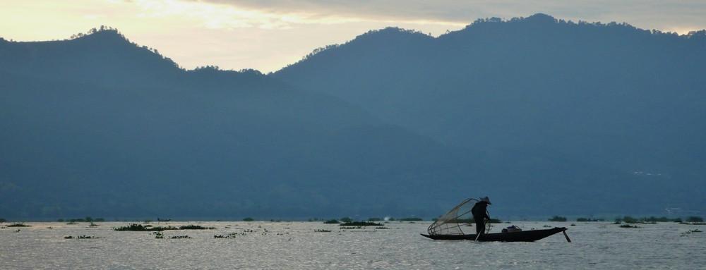 Pêcheurs ombres Birmanie Lac inlé